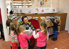 Christmas stories at the library Agnesenschütte